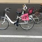 普通の電動自転車にチャイルドシートを後付けして3人乗りにする方法。