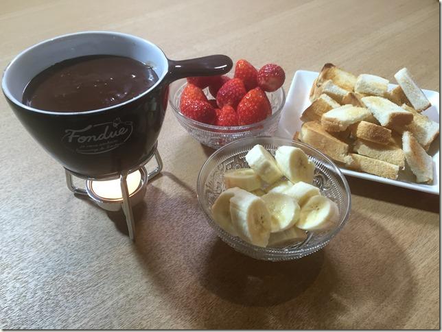 ガーナでも明治でも自宅でチョコフォンデュ。お手軽具材と簡単レシピ。